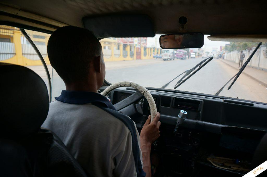 Madagascar car 01