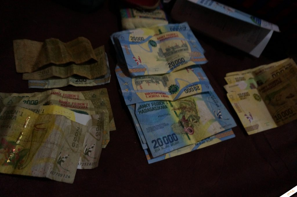 Madagascar currency 01